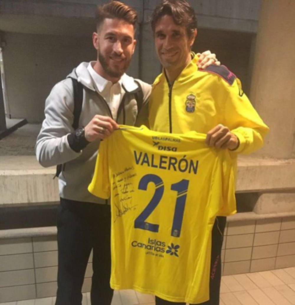 info for 4fcd2 42bc9 Real Madrid | Sergio Ramos and Valerón exchange shirts - AS.com