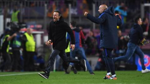 Luis Enrique manager of Barcelona celebrates as Sergi Roberto of Barcelona scores