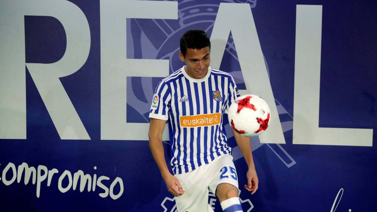 Real Sociedad Bring In Hector Moreno To Replace Inigo Martinez As Com