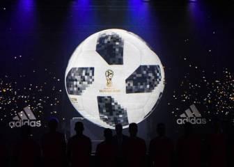 be611546ca8 Adidas Telstar 18: De Gea, Reina, Ter Stegen slam World Cup ball ...
