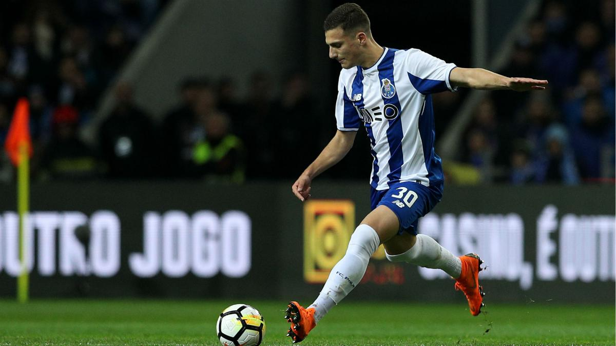 Mourinho: Dalot is Europe's best full-back in his age group - AS.com