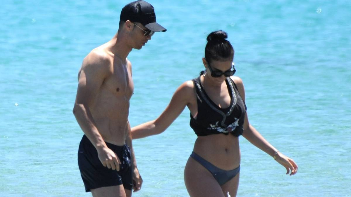 Ronaldo Outraged Threatens Legal Action Over Tv Report About Partner Georgina As Com