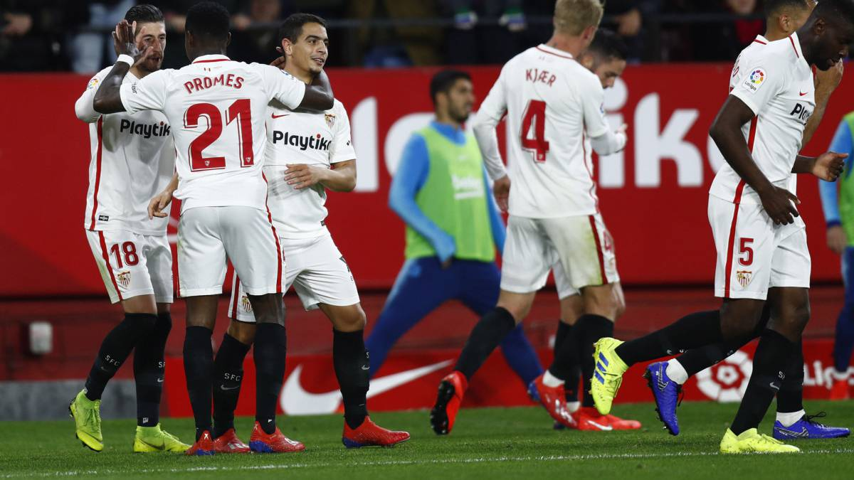 Sparkling Sevilla Too Much For Messi Less Barcelona As Com