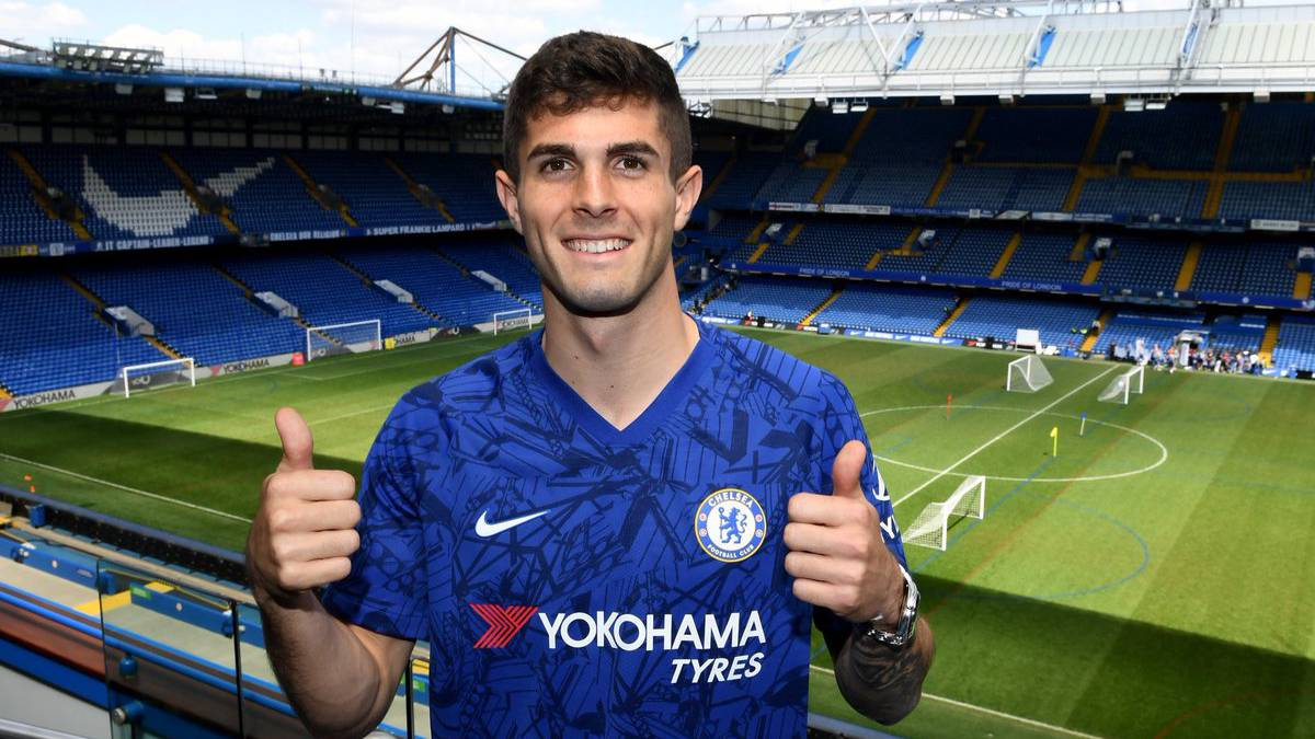 huge selection of 746cf 6ead3 Chelsea fans want Pulisic to wear Hazard's old jersey number ...