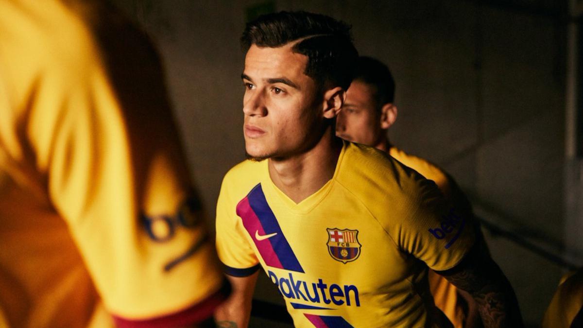 pretty nice 14d0a 94e2e La Masia at 40: Barcelona new away kit in tribute to academy ...