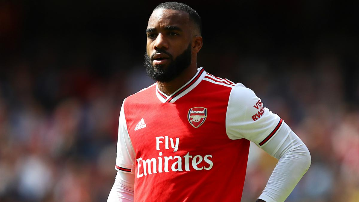 Juventus Eye Lacazette, Offer Arsenal Higuian And Douglas Costa