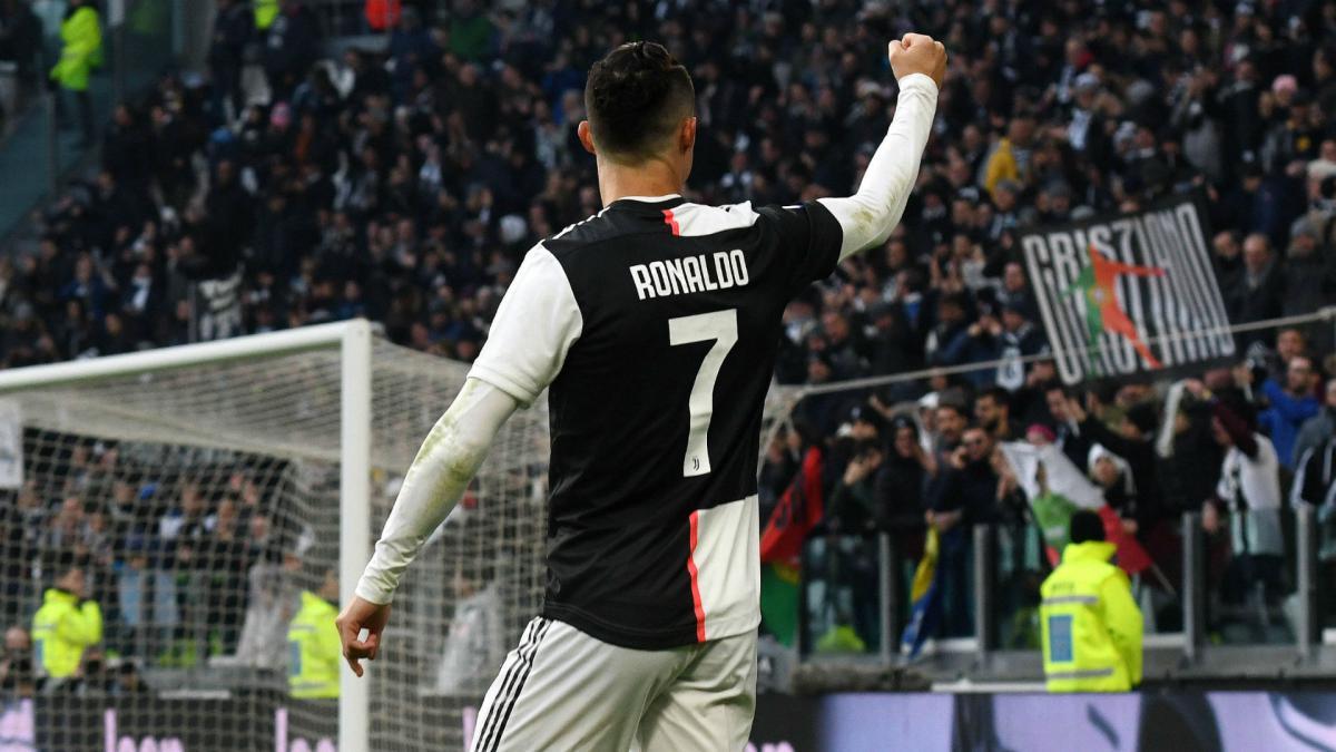 Cristiano Ronaldo S Knee Problem Is Behind Him Juve Boss Sarri