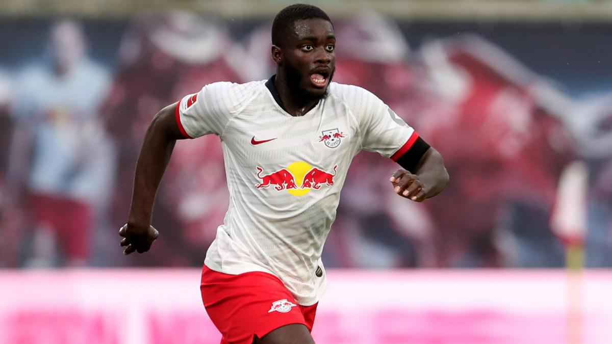 Manchester United plánuje příchod zadáka Upamecana