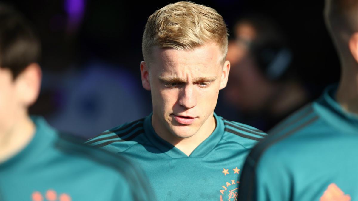 Van De Beek Sits Out Ajax Friendly Amid Barcelona Man Utd Links As Com