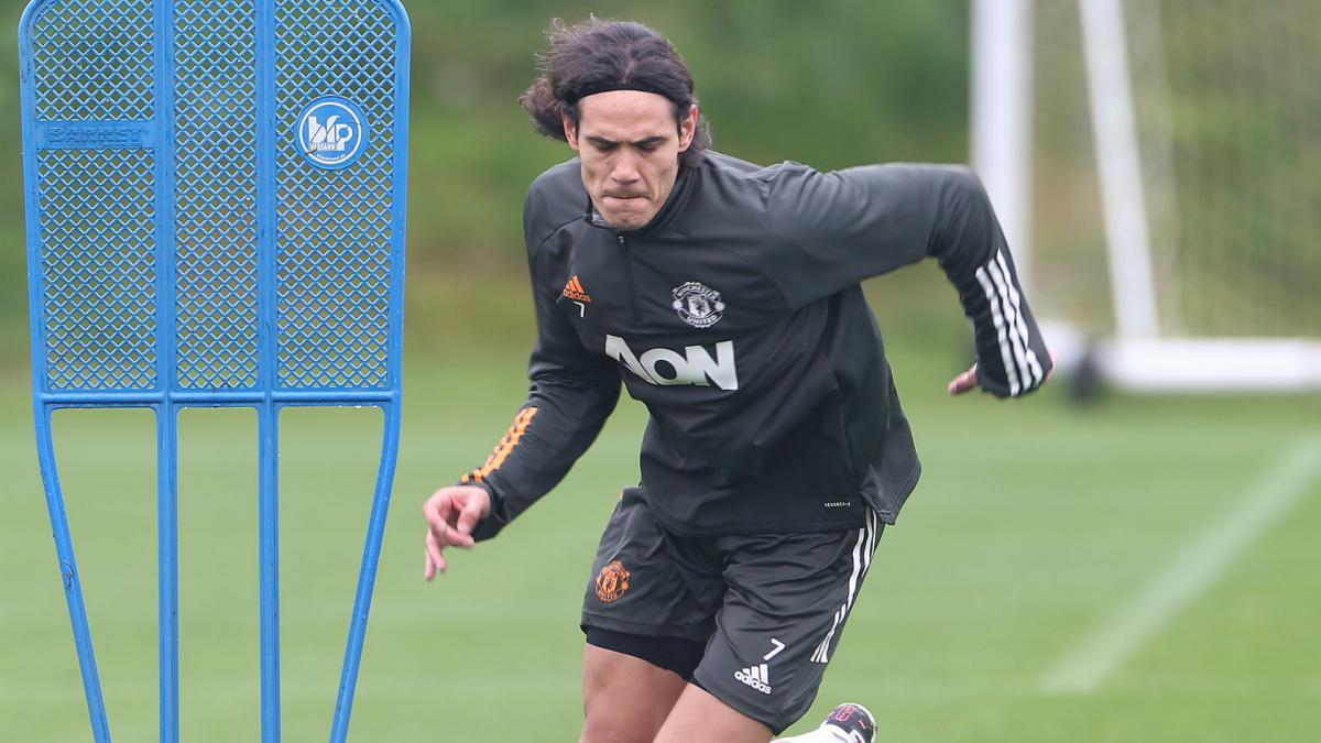 cavani trains with man utd team mates ahead of psg game as com man utd team mates ahead of psg game
