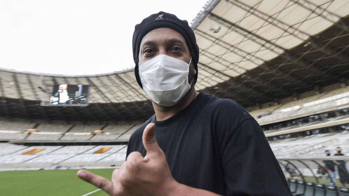 Ronaldinho tests positive for coronavirus - AS.com
