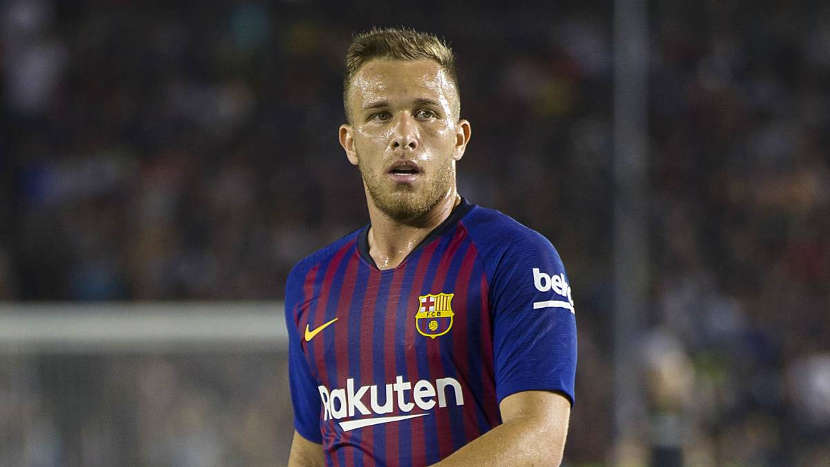 A country boy with no tattoos: Arthur is a rarity in modern football -  AS.com