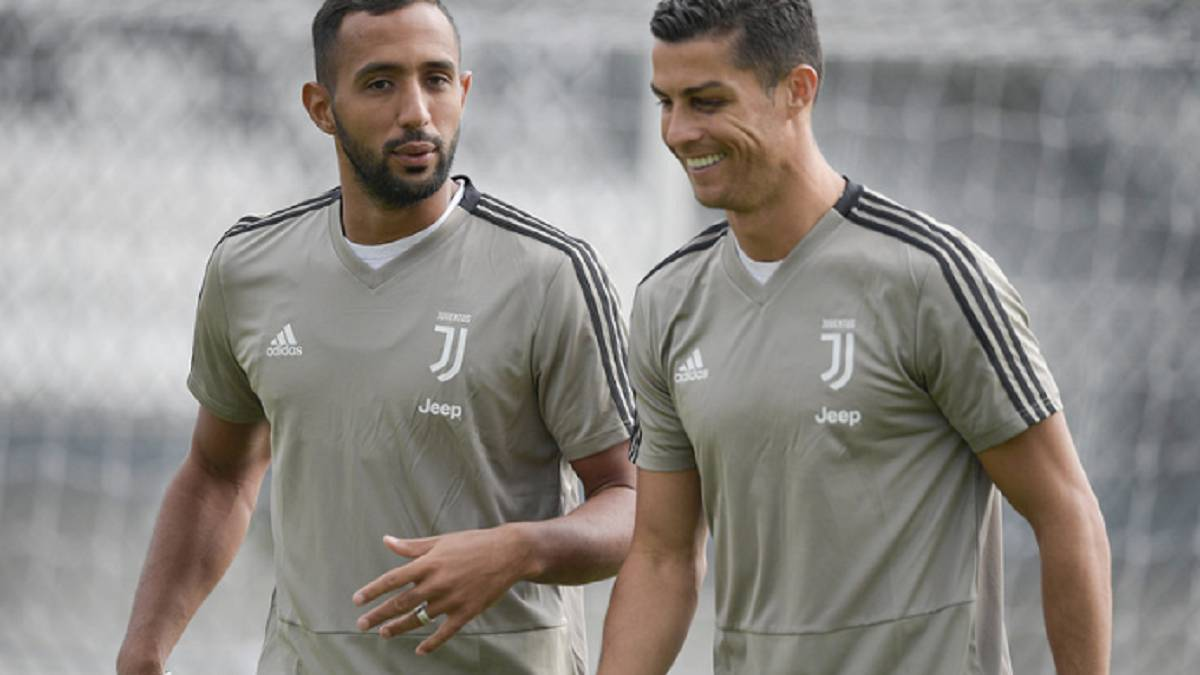 hot sale online fdb01 f79e5 Cristiano returns to Juventus training with a black eye - AS.com