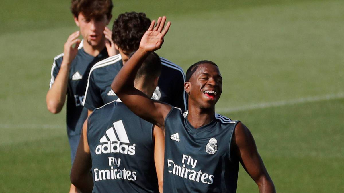 buy online 2c825 829f6 Real Madrid | Real Madrid rotations give Vinicius Junior his ...