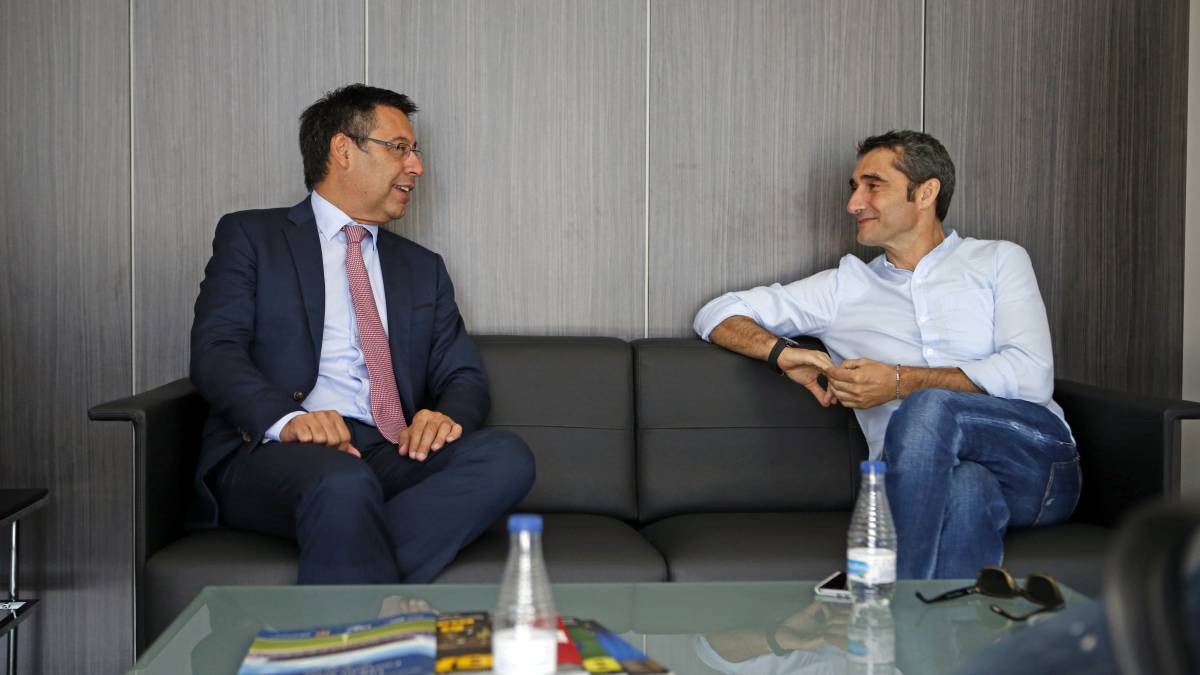 "Bartomeu ends Barcelona coaching discussion: ""Valverde is the ..."
