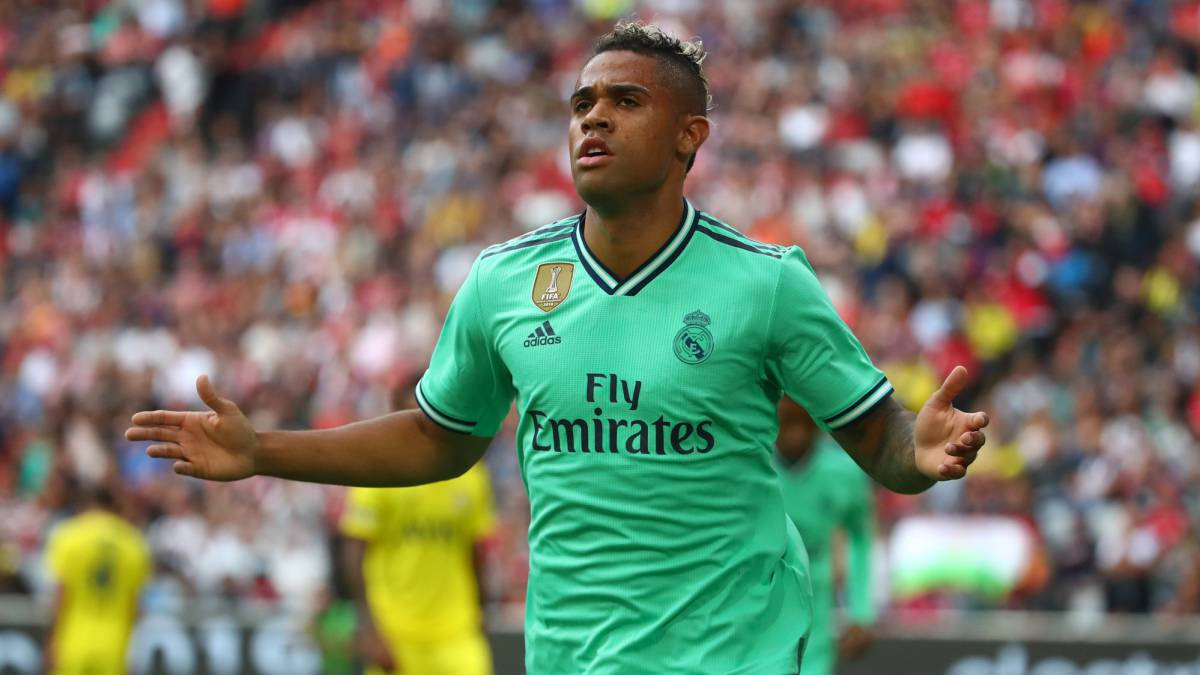 """Real Madrid: Mariano Díaz """"will go out on loan for two seasons"""" - AS.com"""