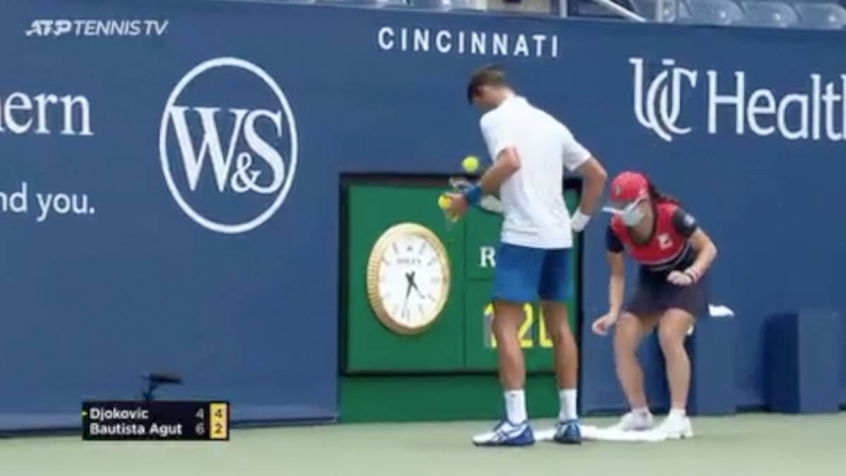 Coronavirus Djokovic Throws In The Towel In Cincinnati But Ball Girl Reacts Faster As Com