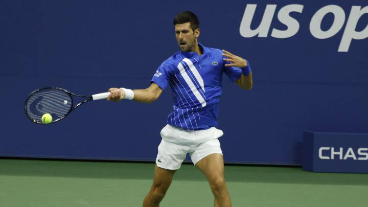Djokovic Thrown Out Of Us Open After Hitting Line Judge With Ball As Com